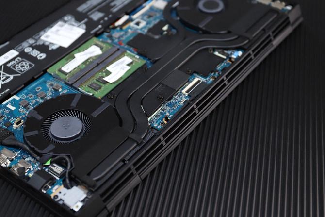 搭载十代酷睿移动版标压处理器的暗影精灵6 低调开黑 无惧挑战