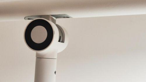 """小白智能看护灯评测:国AA护眼+1080P镜头 一键远程陪伴孩子""""写作业"""""""